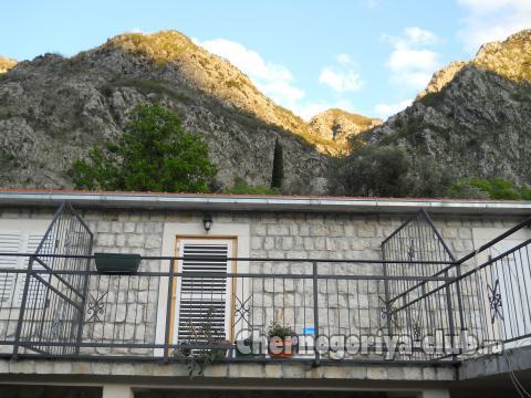 Апартамент в Рисане за 130 €  в сутки