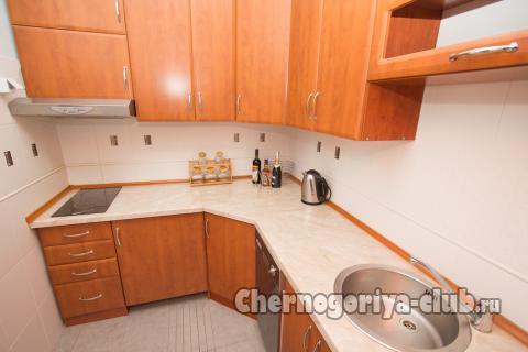 Апартамент в Святом Стефане за 54 €  в сутки