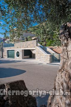 Дом/вилла в Святом Стефане за 250 €  в сутки