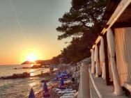 Пляж Пино Дель Мар (Pino Del Mar) / песочно-галечный