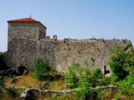 Башня Балшича и археологический музей в церкви-мечети Св. Марии