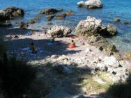 Пляж Donov Krs (Донов Крш, галечный)
