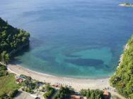 Пляж Lucice (Лучице, песчано-галечный)