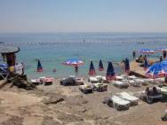 Пляж Ploce (Плоче, скалисто-каменный)