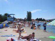 Пляж Donja Lastva (Доня Ластва, песчано-бетонный)