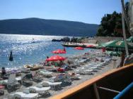 Пляж Galija (Галия, галечно-бетонный)
