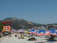 Пляж Galeb (Галеб, галечный)