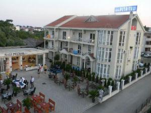 Hotel Petriti