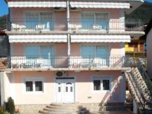 D & D Apartments