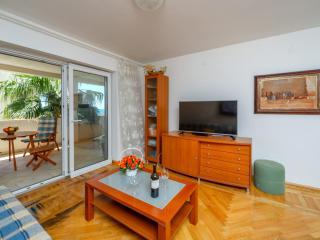 Апартамент в Святом Стефане за 80 €  в сутки