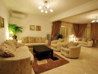 Дом/вилла в Сутоморе за 200 €  в сутки