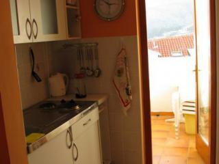 фото 9 - 28.кухня, вход на лоджию 218