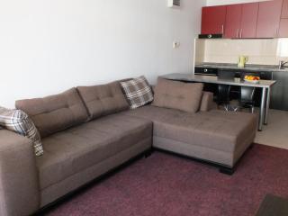 Апартамент в Бечичи за 40€ / день