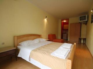 Апартамент в Святом Стефане за 38 €  в сутки