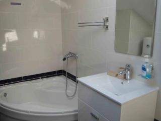 Апартамент в Доброте за 100 €  в сутки