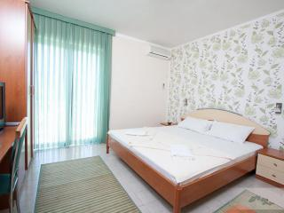 Апартамент в Бечичи за 42€ / день