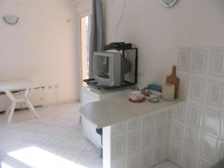 фото 5 - телевизор, барная стойка в студии