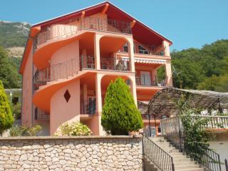 Апартамент в Сутоморе за 85 €  в сутки