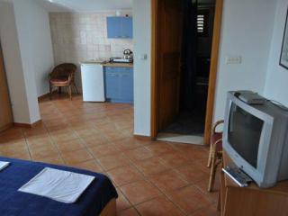 Апартамент в Святом Стефане за 20 €  в сутки