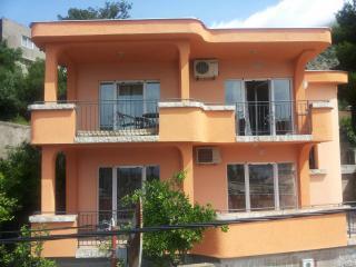 Апартамент в Сутоморе за 45 €  в сутки