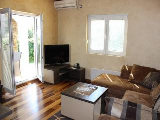 Дом/вилла в Будве за 90 €  в сутки
