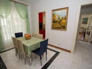 Дом/вилла в Святом Стефане за 100 €  в сутки
