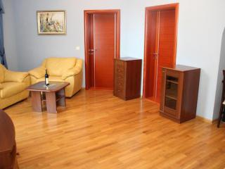 Апартамент в Святом Стефане за 98 €  в сутки