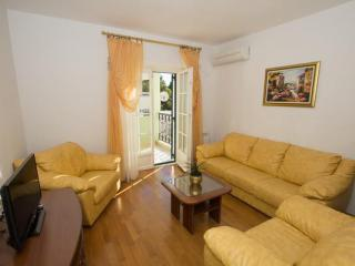 Апартамент в Святом Стефане за 70 €  в сутки