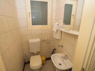 Апартамент в Святом Стефане за 170 €  в сутки