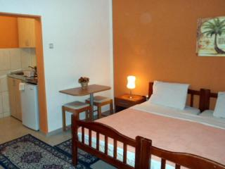 Апартамент в Святом Стефане за 35 €  в сутки