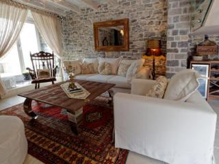 Дом/вилла в Тивате за 290 €  в сутки