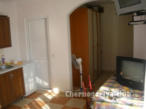 Дом/вилла в Баре за 1000 €  в сутки