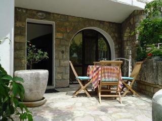 Дом/вилла в Рафаиловичи за 140 €  в сутки