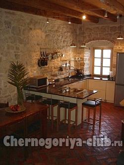 Дом/вилла в Доброте за 220 €  в сутки