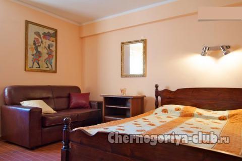 Дом/вилла в Тивате за 120 €  в сутки