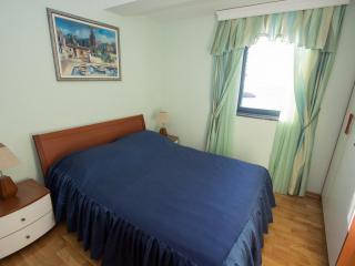 Апартамент в Святом Стефане за 140 €  в сутки