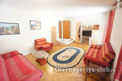 Дом/вилла в Будве за 130 €  в сутки