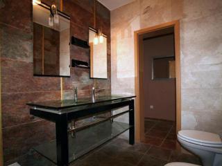 Дом/вилла в Тивате за 100 €  в сутки