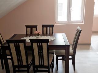 Апартамент в Каменари за 80 €  в сутки