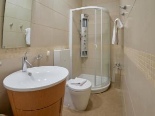 Апартамент в Святом Стефане за 155 €  в сутки