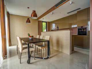 Дом/вилла в Будве за 400 €  в сутки
