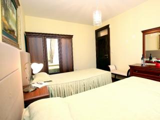 Дом/вилла в Святом Стефане за 1550 €  в сутки