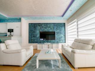 Апартамент в Будве за 240 €  в сутки