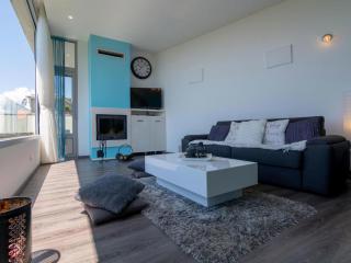 Дом/вилла в Тивате за 83 €  в сутки