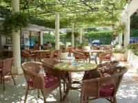 Garden cafe Milka